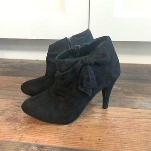 Glaze side zipper ankle booties